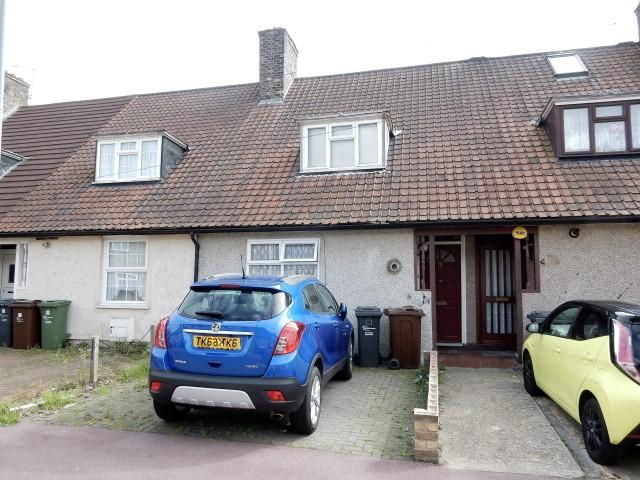 2 Bedrooms Terraced House for sale in Downing Road, Dagenham RM9
