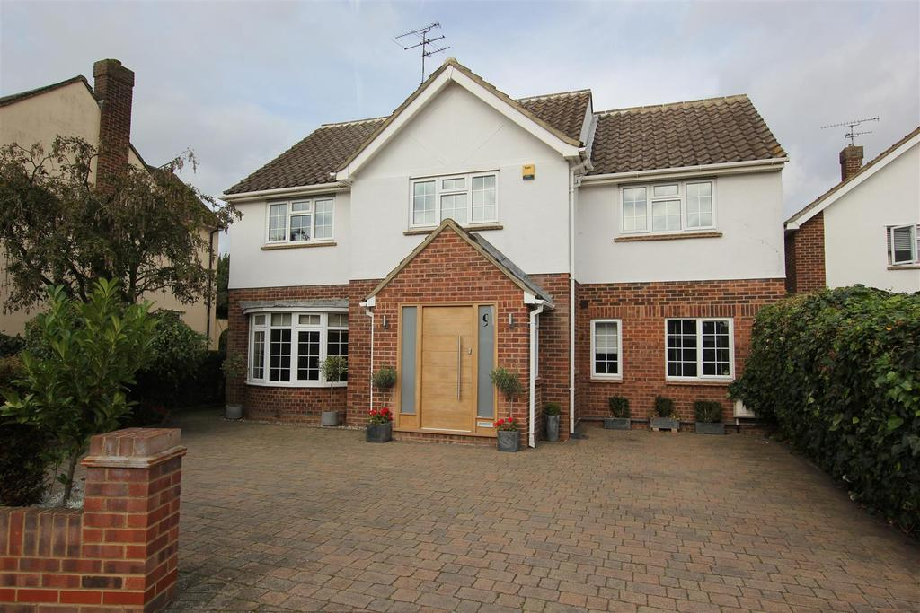 4 Bedrooms Detached House for sale in Chelmsford