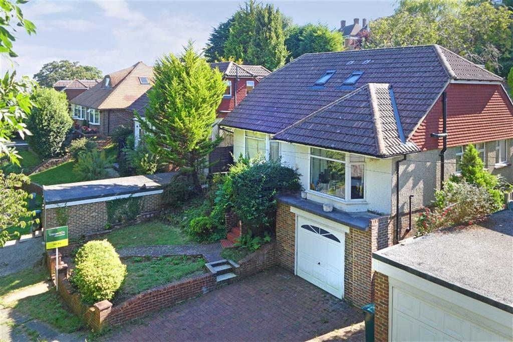 4 Bedrooms Detached Bungalow for sale in Tongdean Rise, Brighton