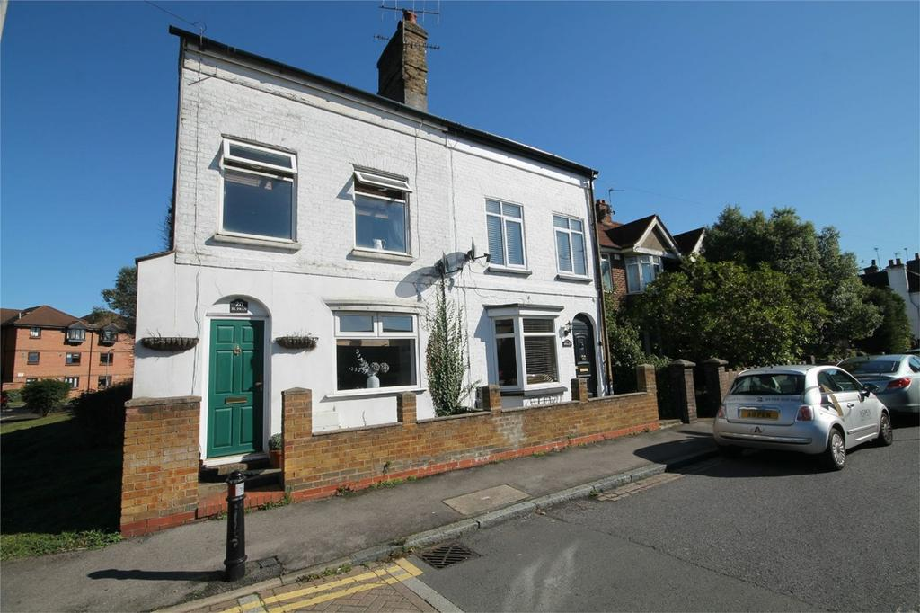 3 Bedrooms Semi Detached House for sale in High Street, Colnbrook, Slough, Berkshire