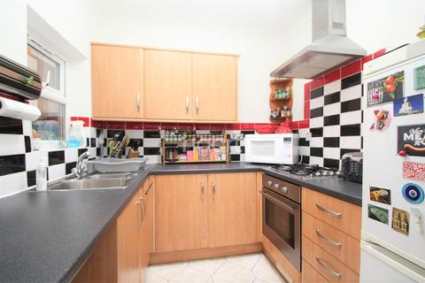 3 bedroom house to rent - Faringford Road - Stratford Village - E15