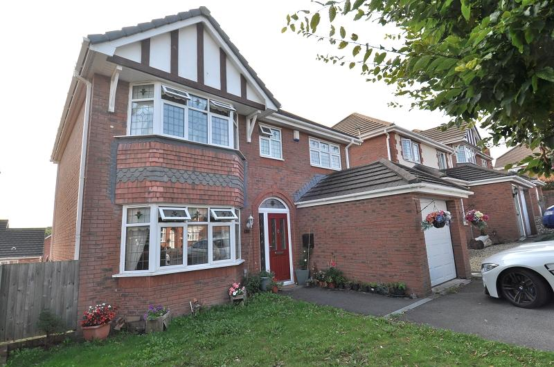 5 Bedrooms Detached House for sale in 5 Beidr Iorwg, Pencoedtre Village, Barry CF63 1FG