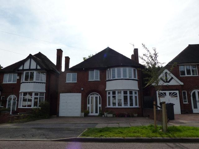 4 Bedrooms Detached House for sale in Chestnut Drive,Erdington,Birmingham