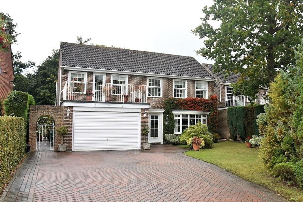5 Bedrooms Detached House for sale in Sheridan Crescent, Baughurst, Tadley, Hampshire, RG26