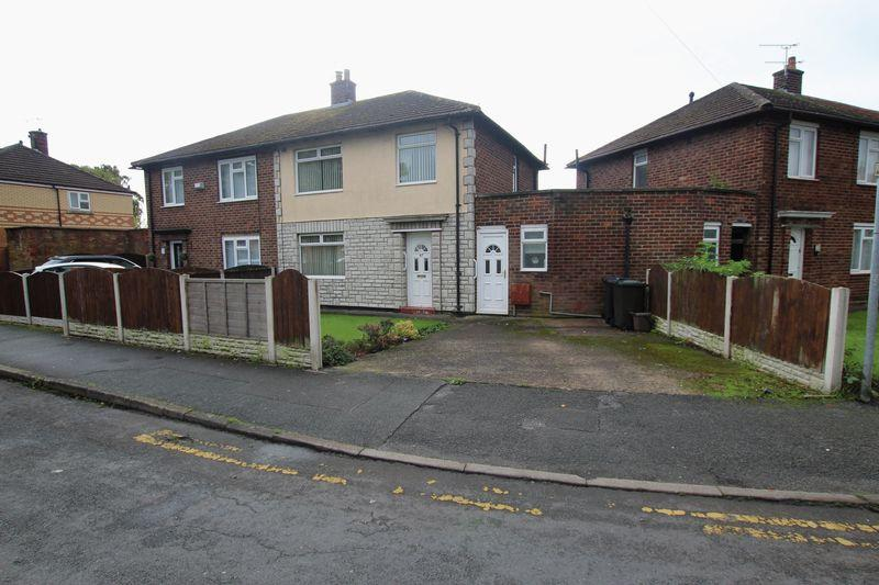 3 Bedrooms Semi Detached House for sale in Sutton Way, Whitby