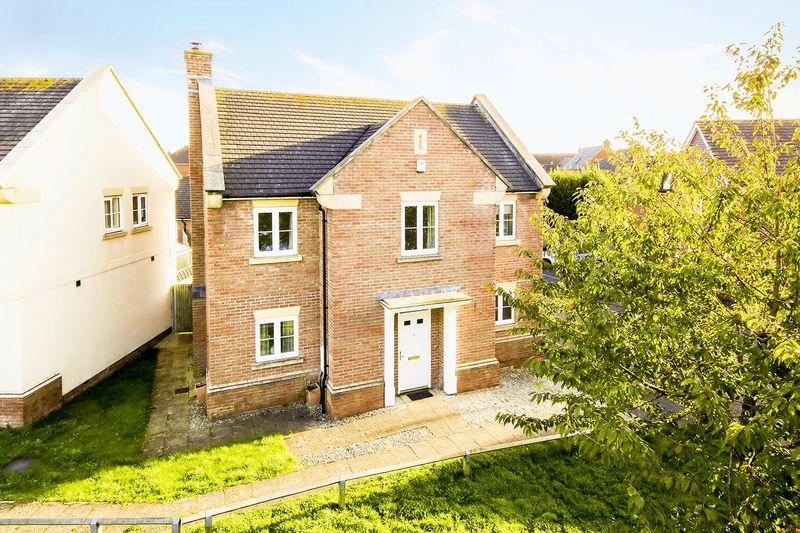 4 Bedrooms Detached House for sale in Angmering