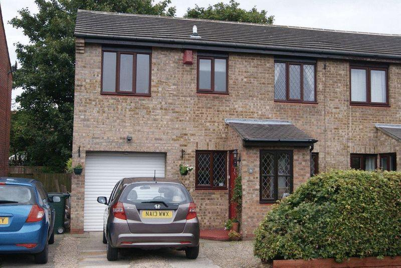 4 Bedrooms Semi Detached House for sale in Cowans Avenue, Camperdown, Newcastle Upon Tyne