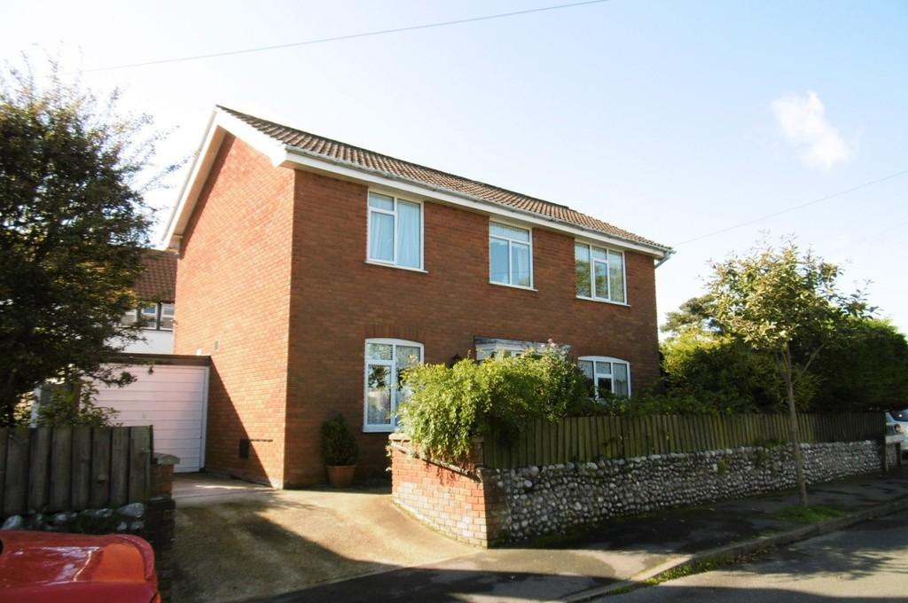 3 Bedrooms Detached House for sale in Sheringham