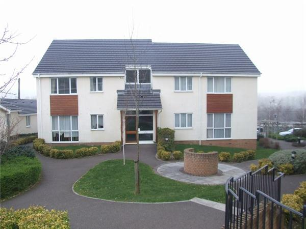 2 Bedrooms Apartment Flat for sale in Abbeyford Court, OKEHAMPTON