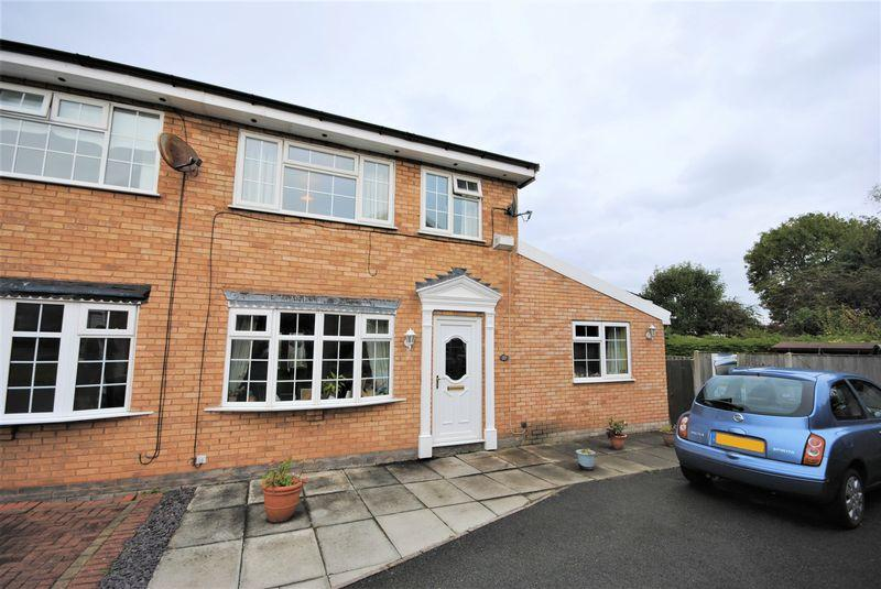 3 Bedrooms Semi Detached House for sale in Denny Close, Upton