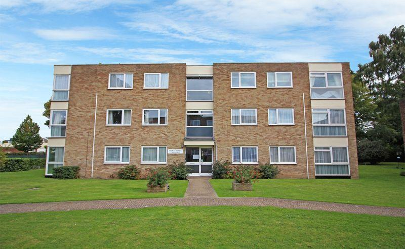 2 Bedrooms Apartment Flat for sale in Warham Road, South Croydon, Surrey