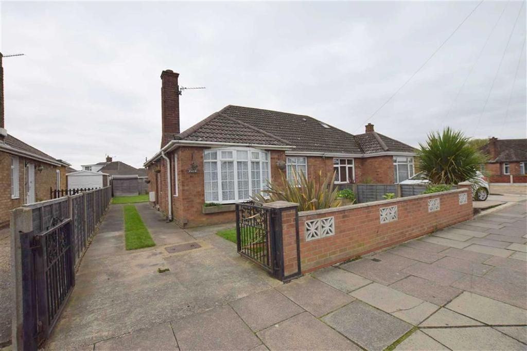 2 Bedrooms Semi Detached Bungalow for sale in Brian Avenue, Cleethorpes, North East Lincolnshire