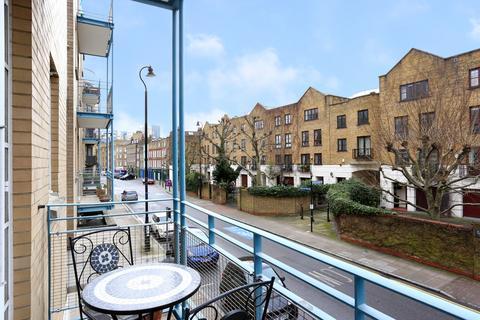 2 bedroom flat to rent - Watergarden, Narrow Street, London E14