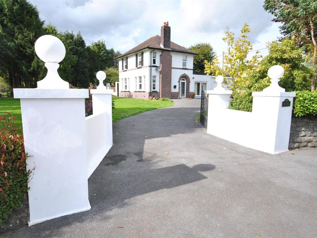 4 Bedrooms House for sale in Peniel, Carmarthen