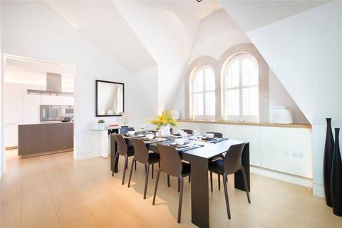 3 bedroom flat to rent - Green Street W1
