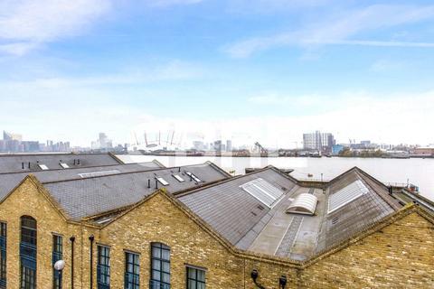 2 bedroom apartment to rent - Millennium Drive, London, E14