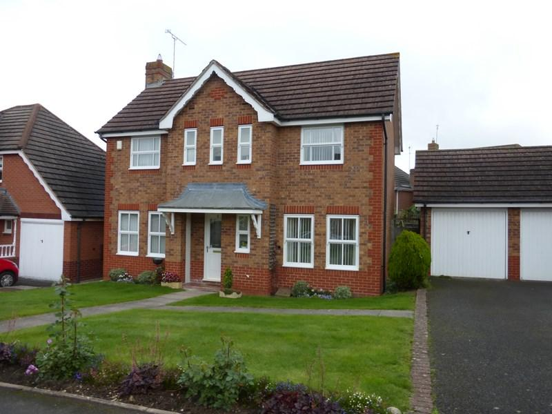 3 Bedrooms Detached House for sale in Clyde Avenue, Evesham