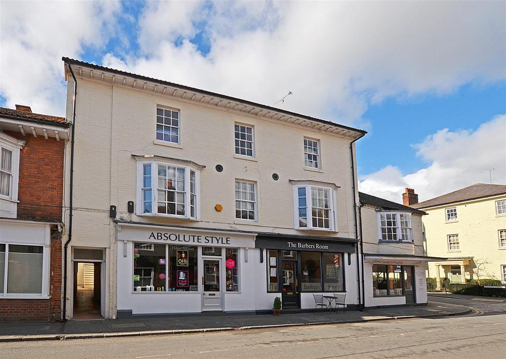 2 Bedrooms Flat for sale in 14 Phoenix Square, Pewsey