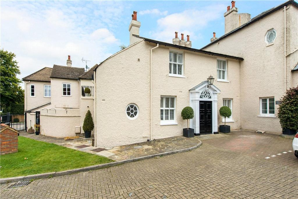 4 Bedrooms Terraced House for sale in Ernest Lindgren House, Archive Mews, Kingshill Way, Berkhamsted, HP4
