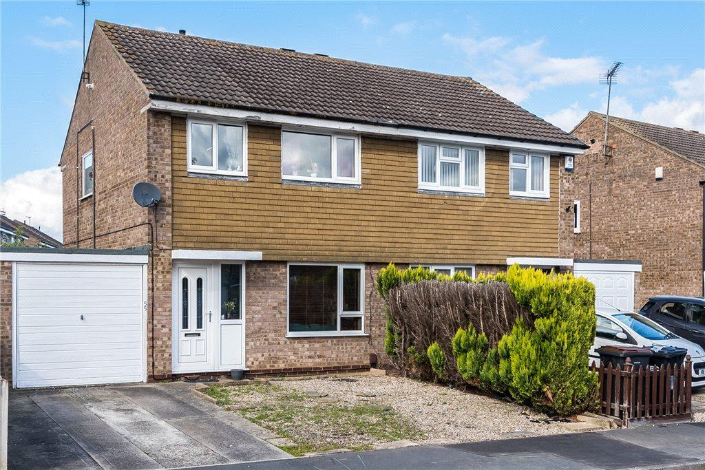 3 Bedrooms Semi Detached House for sale in Littondale Avenue, Knaresborough, North Yorkshire