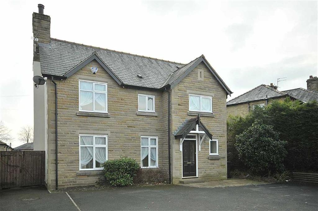 3 Bedrooms Detached House for sale in Bollington Road, Bollington