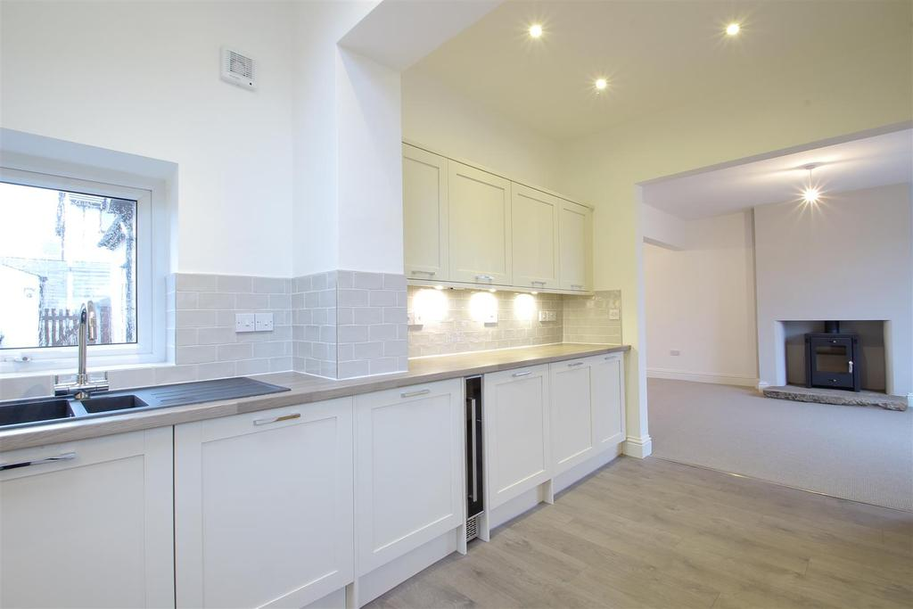 3 Bedrooms Semi Detached Bungalow for sale in Buccleuch Avenue, Clitheroe