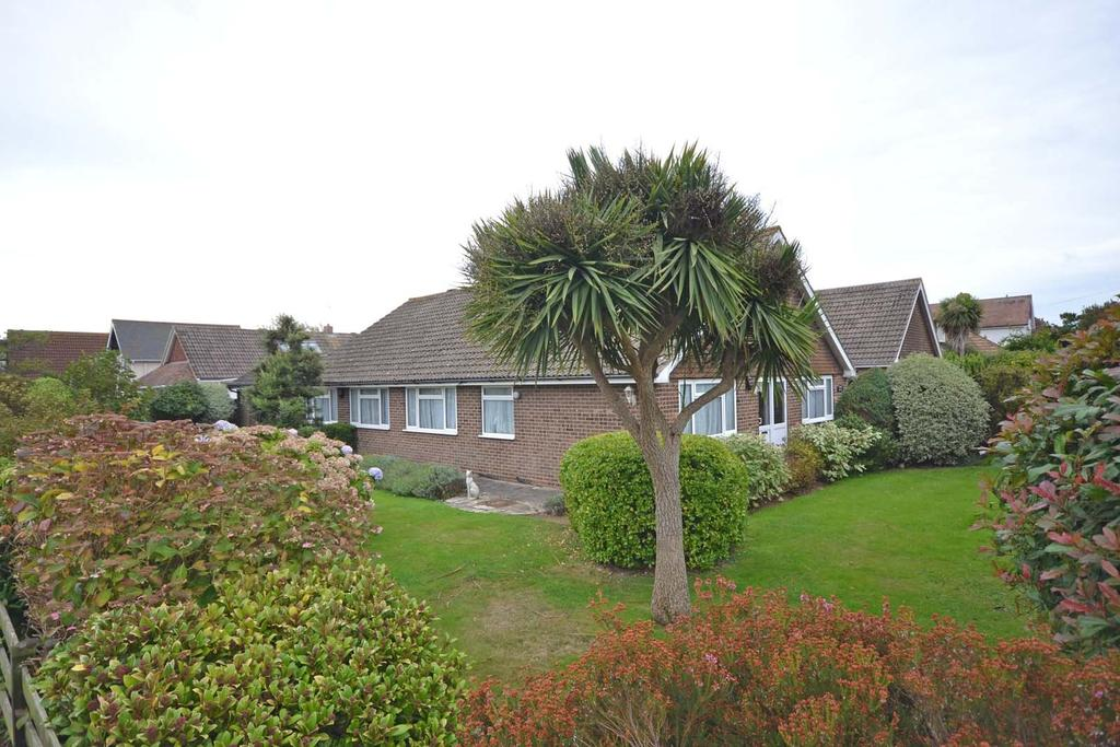 4 Bedrooms Detached Bungalow for sale in Bonnar Road, Selsey, PO20