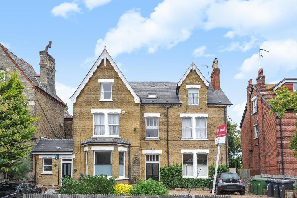 3 Bedrooms Flat for sale in Polworth Road, Streatham
