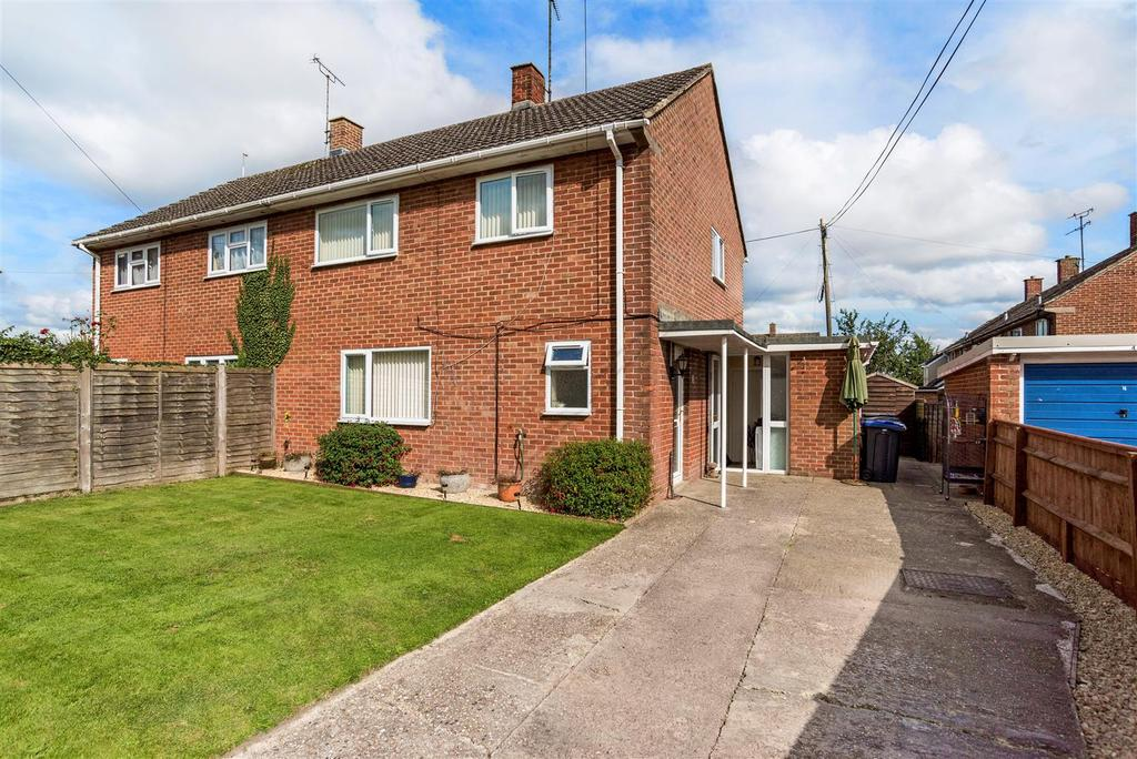 3 Bedrooms Semi Detached House for sale in Hungerford Road, East Grafton, Marlborough