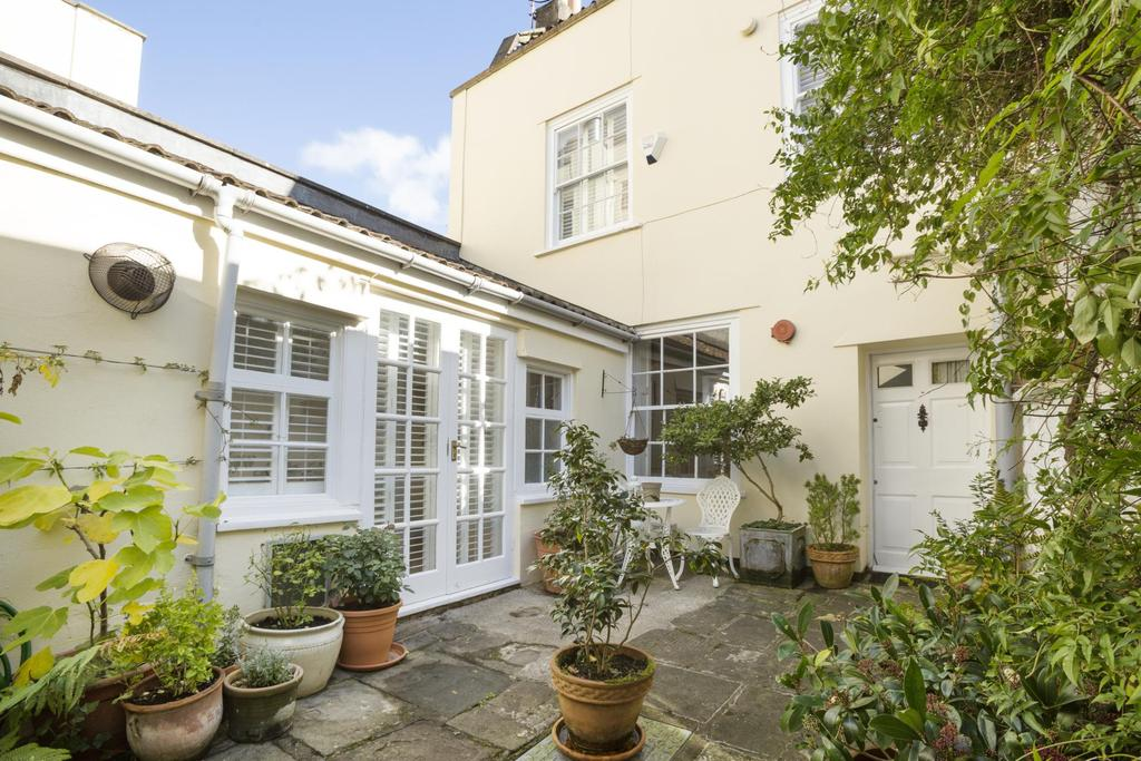3 Bedrooms Cottage House for rent in The Mall, Clifton, BS8