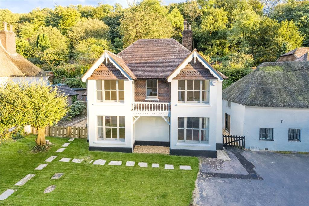 4 Bedrooms Detached House for sale in Milton Abbas, Blandford Forum, Dorset