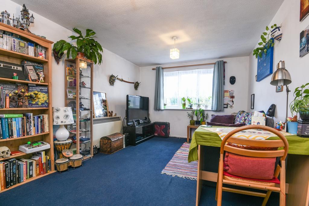 1 Bedroom Flat for sale in Frank Burton Close Charlton SE7