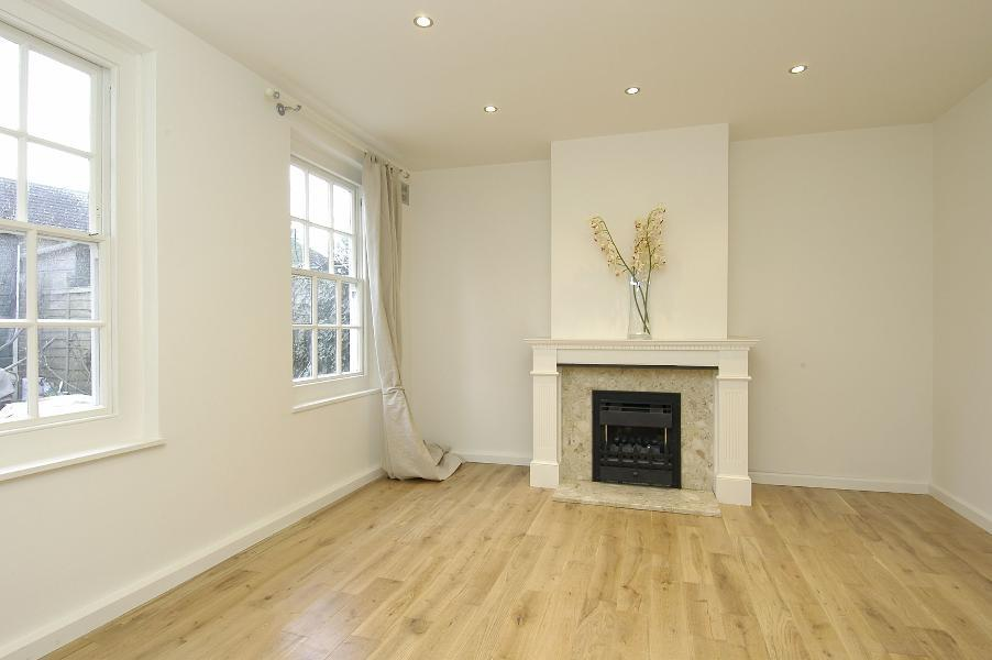 2 Bedrooms Flat for sale in Barlby Road, North Kensington W10
