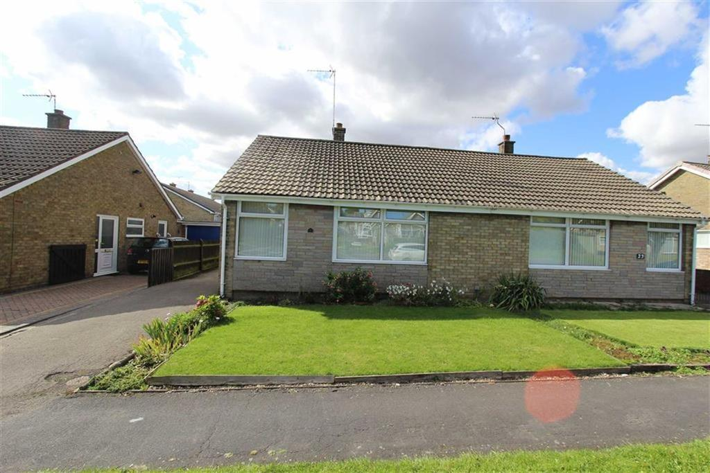 2 Bedrooms Semi Detached Bungalow for sale in Harewood Avenue, Bridlington, YO16