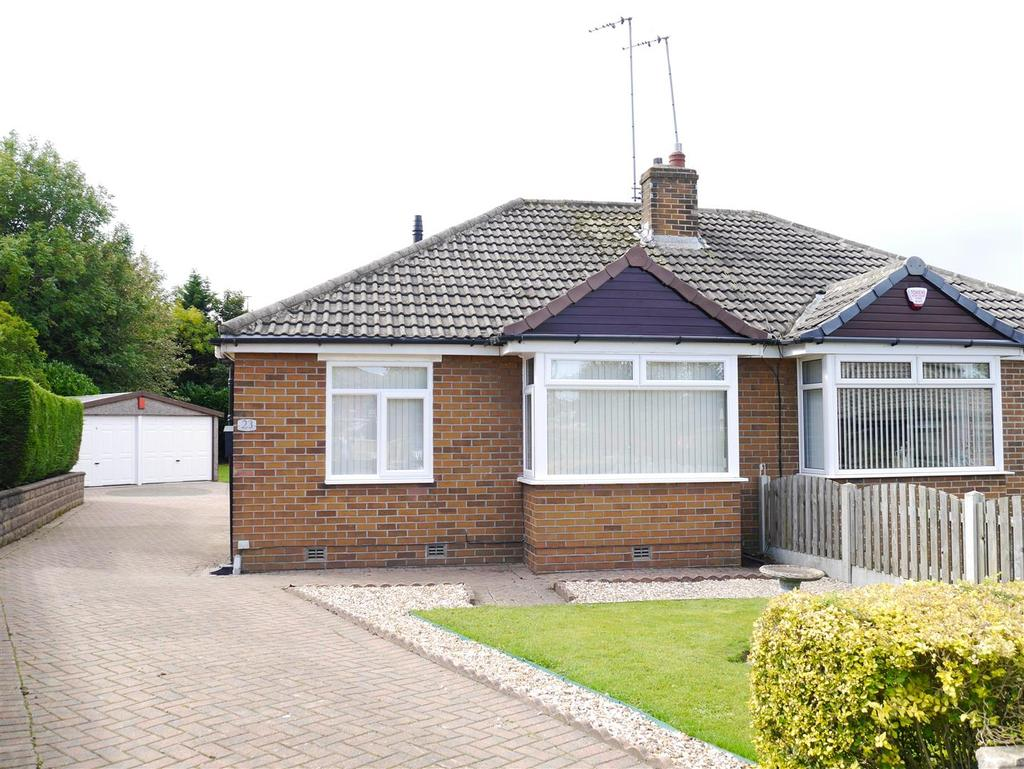 2 Bedrooms Semi Detached Bungalow for sale in Thurley Drive, Bradford, BD4 7TB