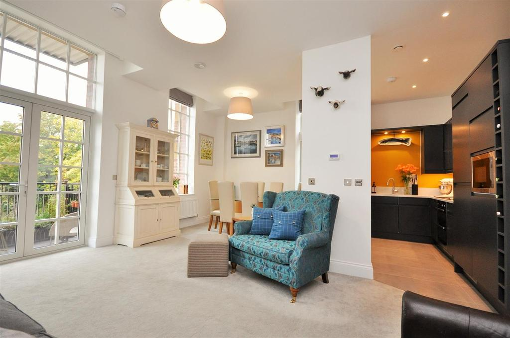 2 Bedrooms Apartment Flat for sale in The Residence, Bishopthorpe Road, York, YO23 1DQ