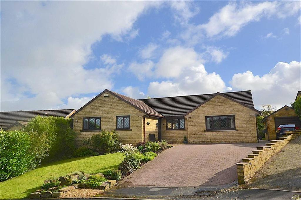 3 Bedrooms Detached Bungalow for sale in Hutton Drive, Burnley, Lancashire