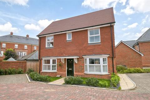3 bedroom detached house for sale - Clarence Way, Kings Hill, ME19 4QT