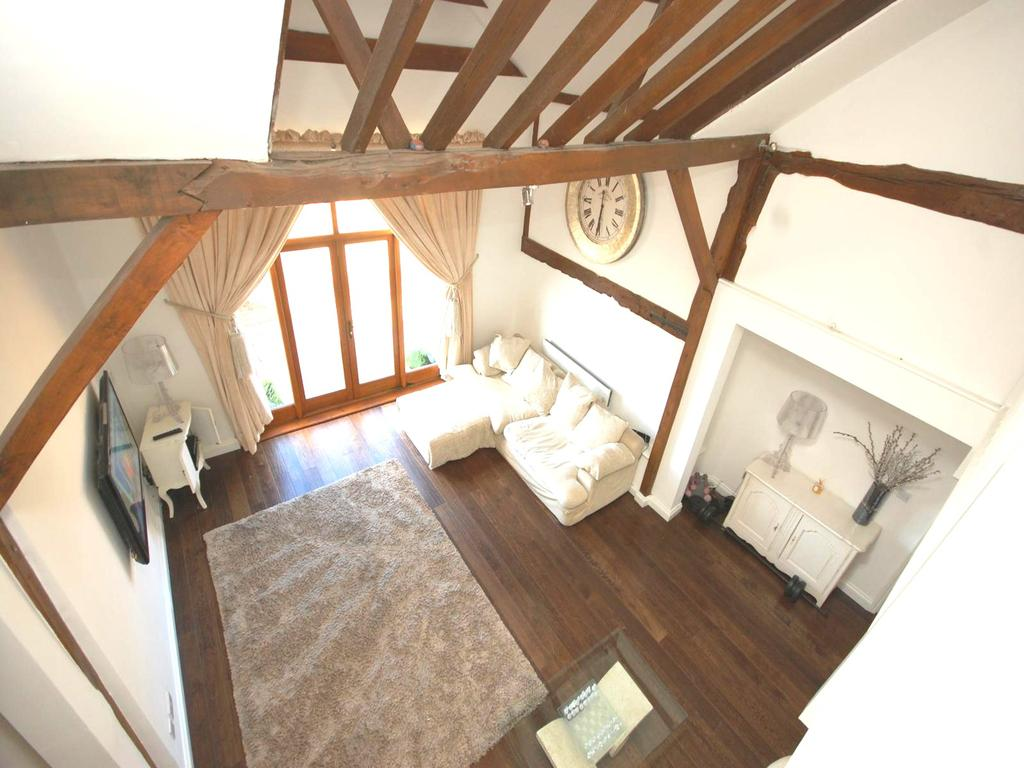 5 Bedrooms Barn Conversion Character Property for rent in Spurriers Farm Barns, Norton Heath, Ingatestone, Essex, CM4
