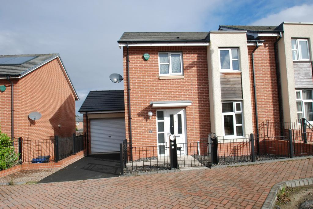 3 Bedrooms Semi Detached House for sale in Clover Way, South Shields