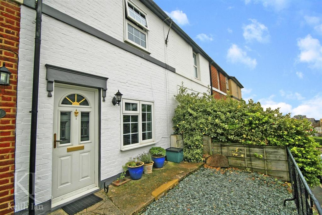 3 Bedrooms Terraced House for sale in Musley Hill, Ware