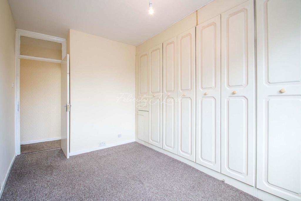 4 Bedrooms Terraced House for sale in Melthorpe Gardens , Blackheath SE3