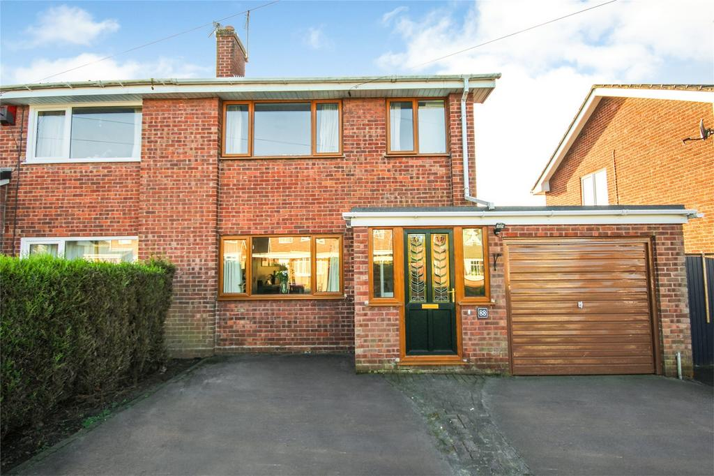 3 Bedrooms Semi Detached House for sale in Parklands Road, Tean, Stoke-on-Trent, Staffordshire