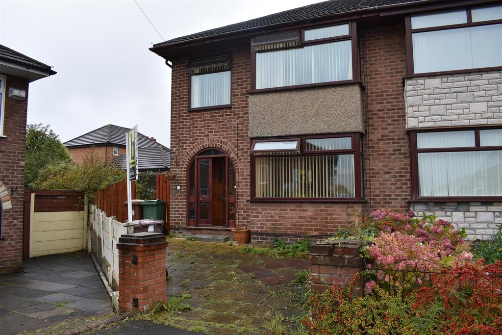 3 Bedrooms Semi Detached House for sale in Seaton Grove, St. Helens
