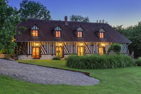 4 bedroom detached house  - 18th Century House, Vimoutiers, Normandy