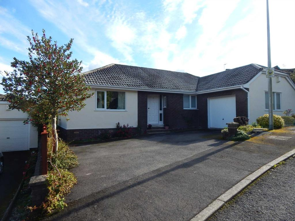 3 Bedrooms Detached Bungalow for sale in Knowles Drive, Colyton, Devon