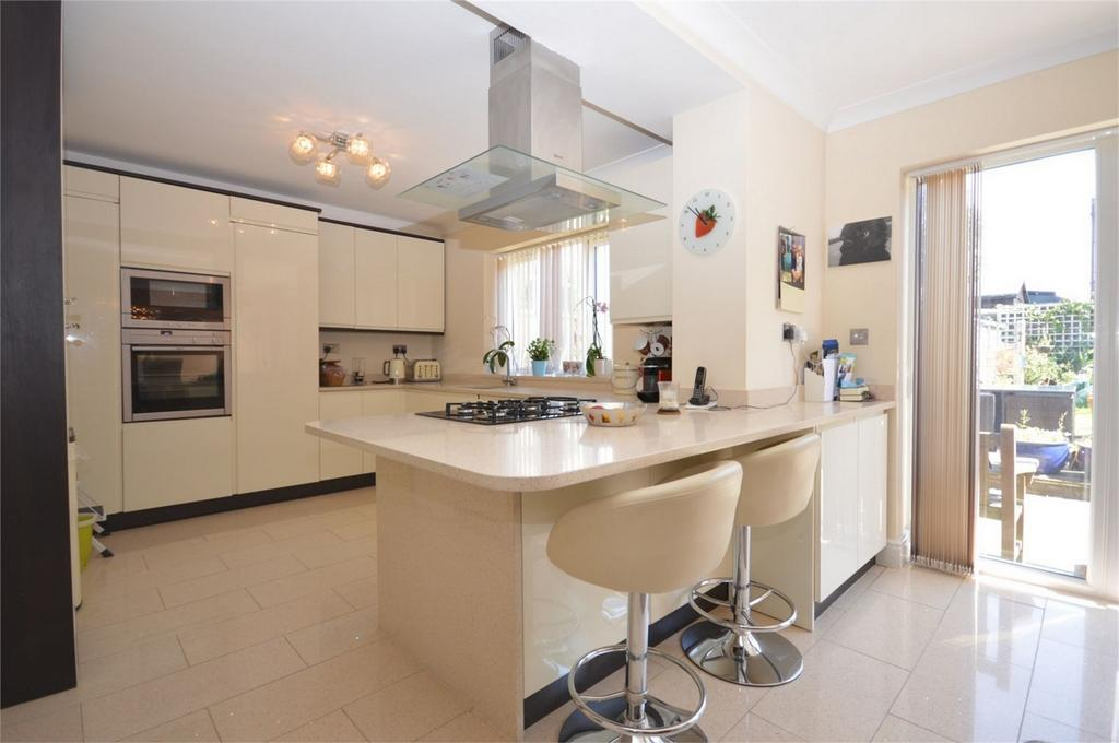 5 Bedrooms Semi Detached House for sale in Rose House 30d Lindsey Street, Epping, Essex