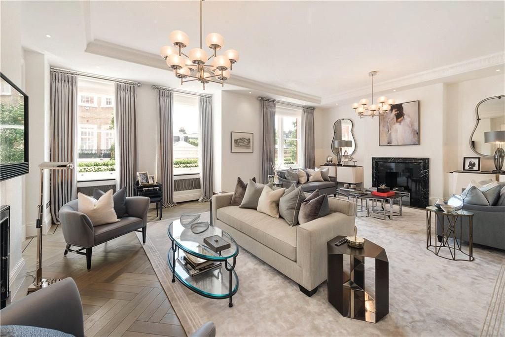 3 Bedrooms Flat for sale in Rutland Court, Rutland Gardens, Knightsbridge, London, SW7