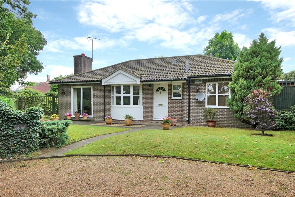 2 Bedrooms Bungalow for sale in Derwent Drive, Tunbridge Wells, Kent, TN4