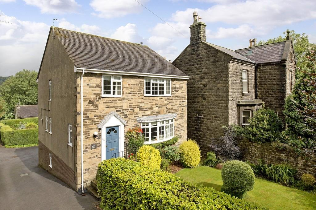 4 Bedrooms Detached House for sale in Skipton Road, Ilkley